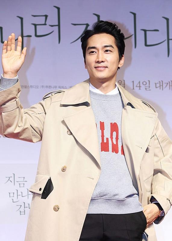 Ve dien trai ngoi ngoi cua tai tu Song Seung Hun o tuoi 42-Hinh-7