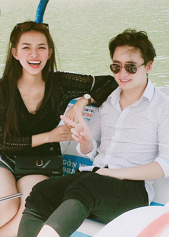 Anh tinh tu cua Phan Manh Quynh ben ban gai hot girl sap cuoi-Hinh-10