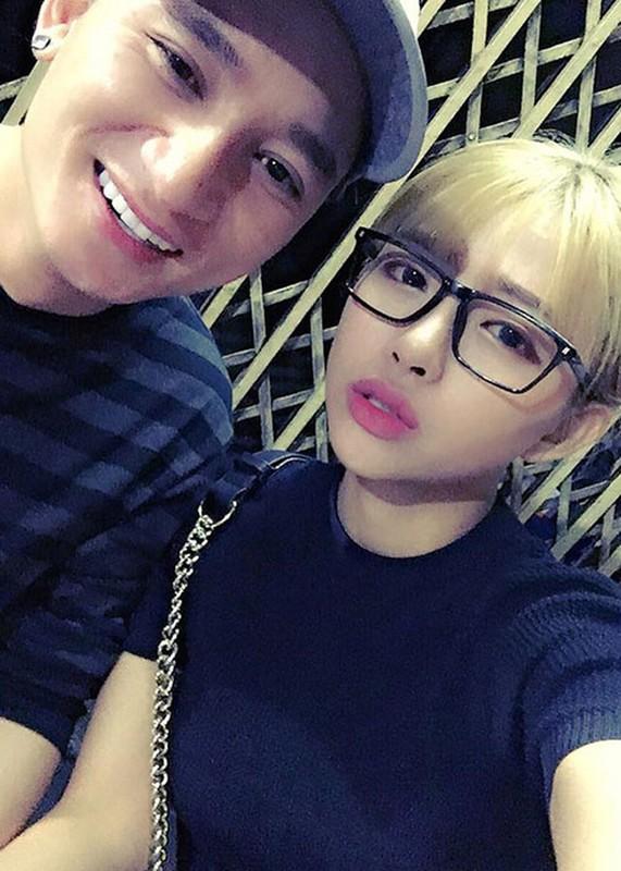Anh tinh tu cua Phan Manh Quynh ben ban gai hot girl sap cuoi-Hinh-6