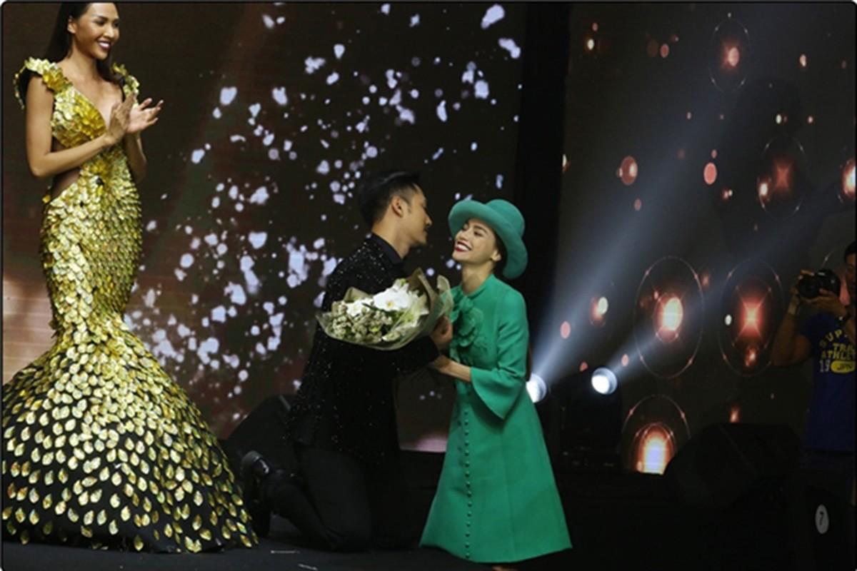 Xuan Lan noi bong gio khong duoc ton trong trong show Ly Qui Khanh-Hinh-3