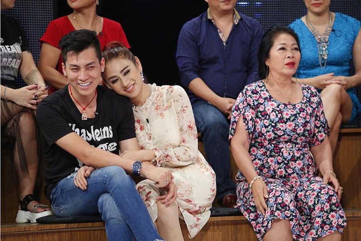 Mot nam hanh phuc vien man cua my nhan chuyen gioi Lam Khanh Chi-Hinh-4