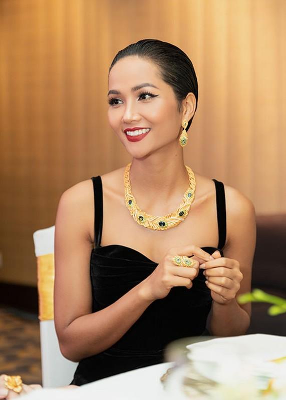 Roi Hoa hau Hoan vu The gioi 2018, H'hen Nie ngay cang goi cam-Hinh-5