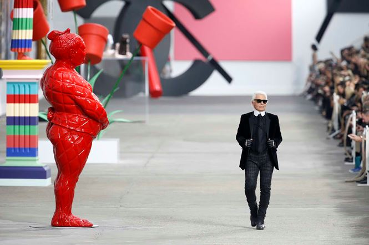 Nhin lai su nghiep lung lay cua huyen thoai thoi trang Karl Lagerfeld-Hinh-17