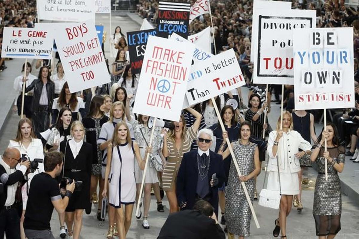 Nhin lai su nghiep lung lay cua huyen thoai thoi trang Karl Lagerfeld-Hinh-18