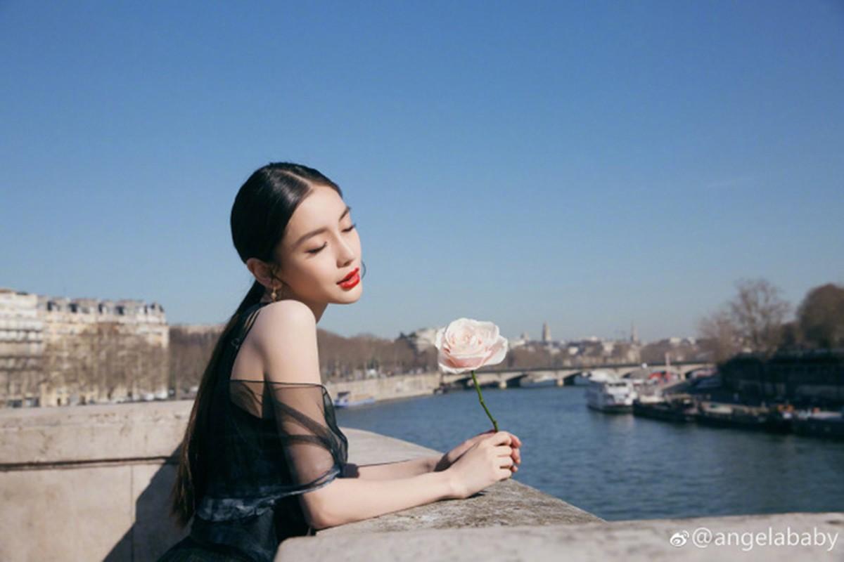 Huynh Hieu Minh tang qua cho vo sau on ao ly hon-Hinh-13
