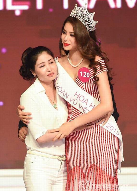 Chan dung nguoi phu nu khong roi Pham Huong nua buoc