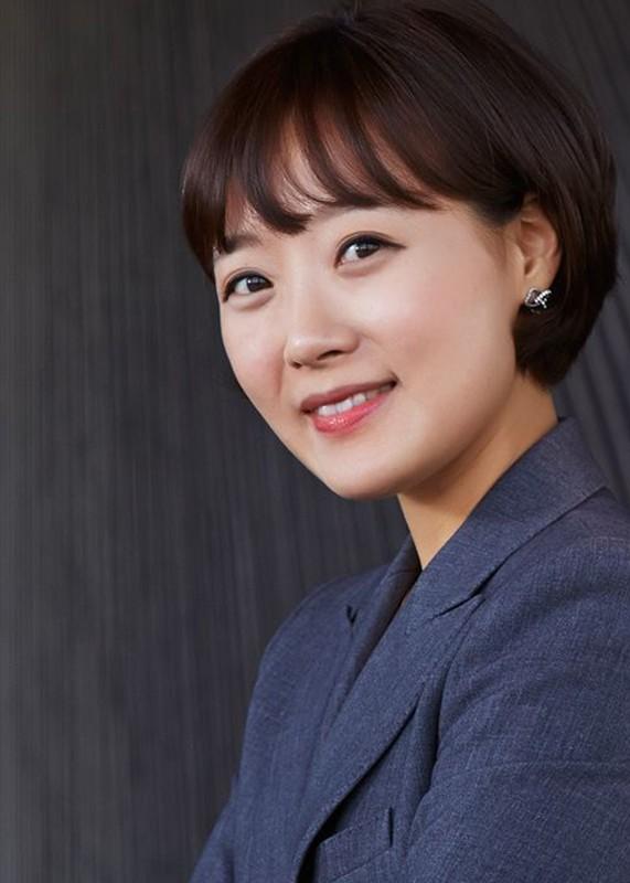 Chan dung co gai khui scandal moi gioi mai dam cua Seungri-Hinh-10