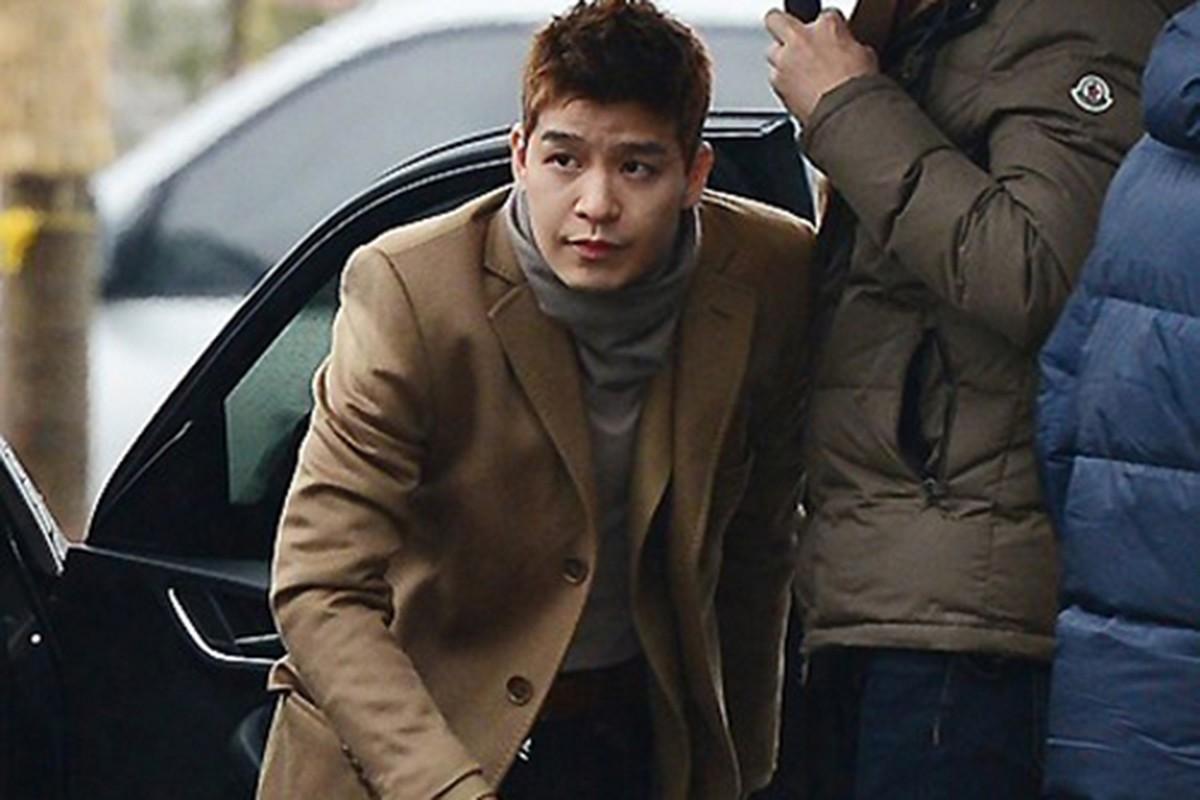 Chan dung co gai khui scandal moi gioi mai dam cua Seungri-Hinh-8