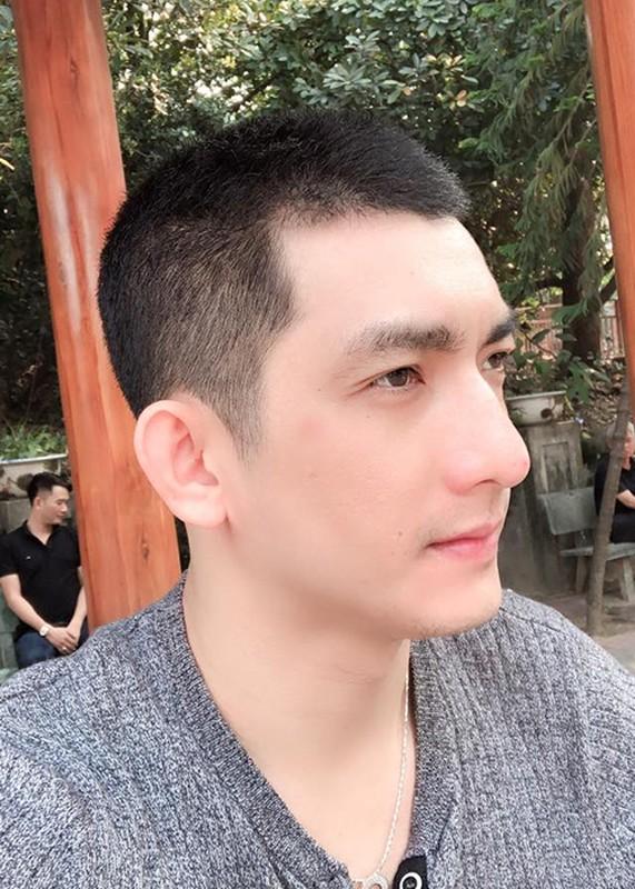 Chong cu Phi Thanh Van khoe con moi sinh sau lum xum vo no-Hinh-10