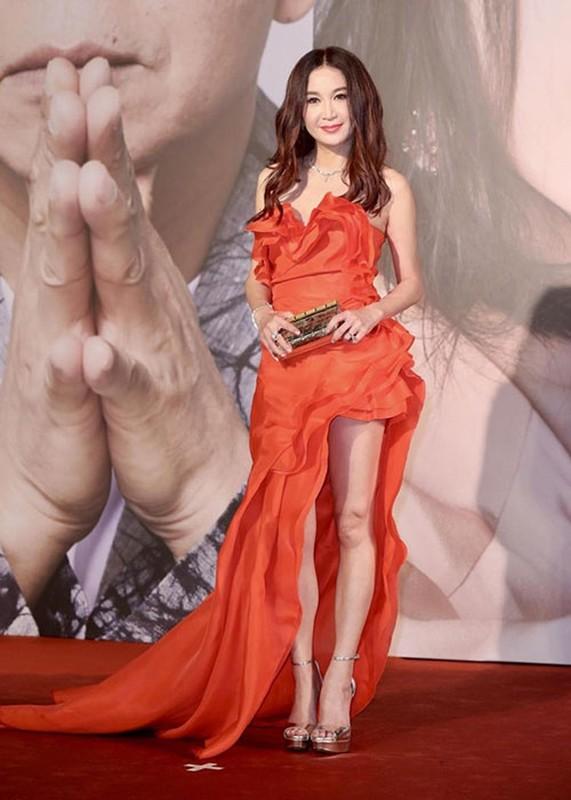 Song Hye Kyo khong deo nhan cuoi, cong khai nam tay Luu Duc Hoa-Hinh-8