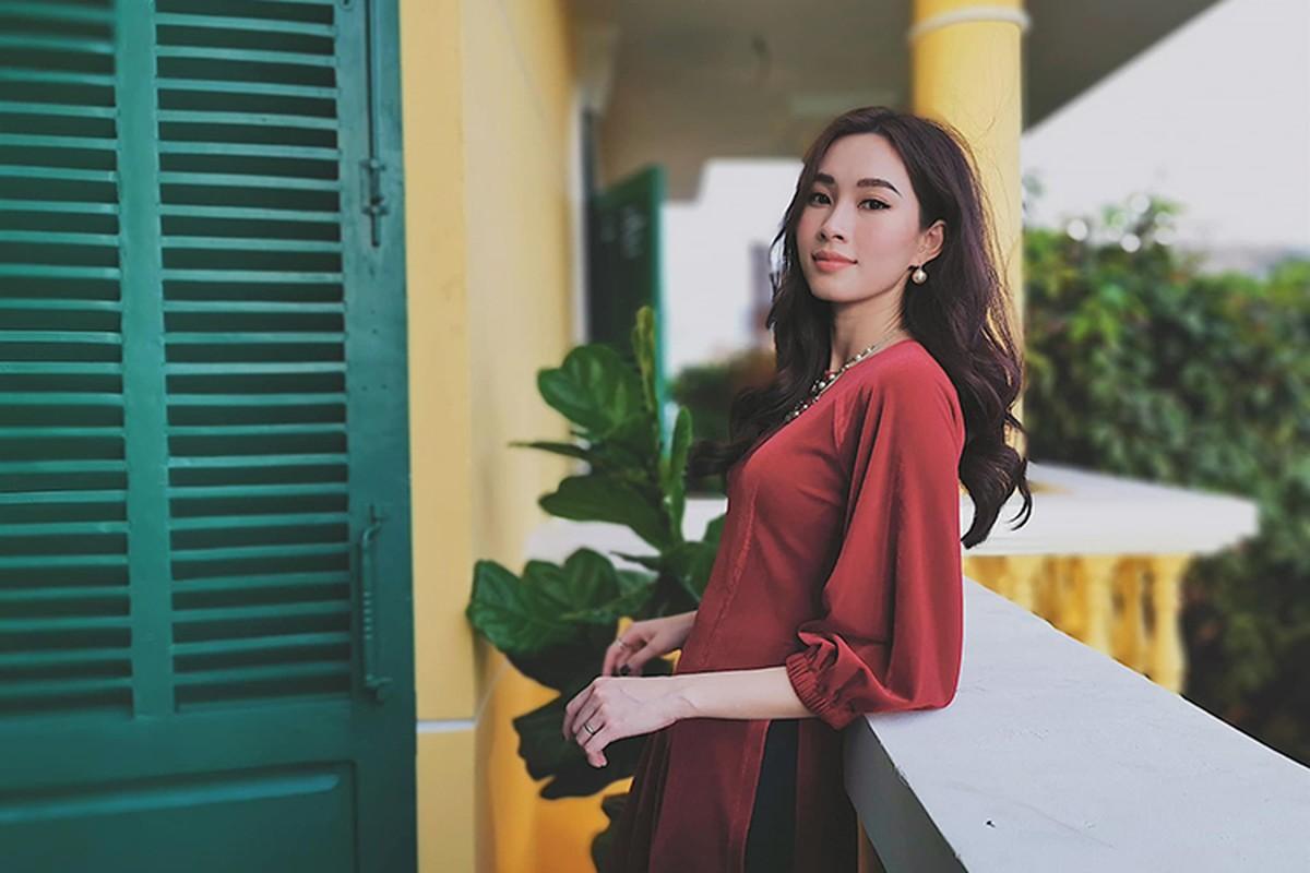 Chong chup co tam the nay, han nao HH Thu Thao cham khoe anh-Hinh-3