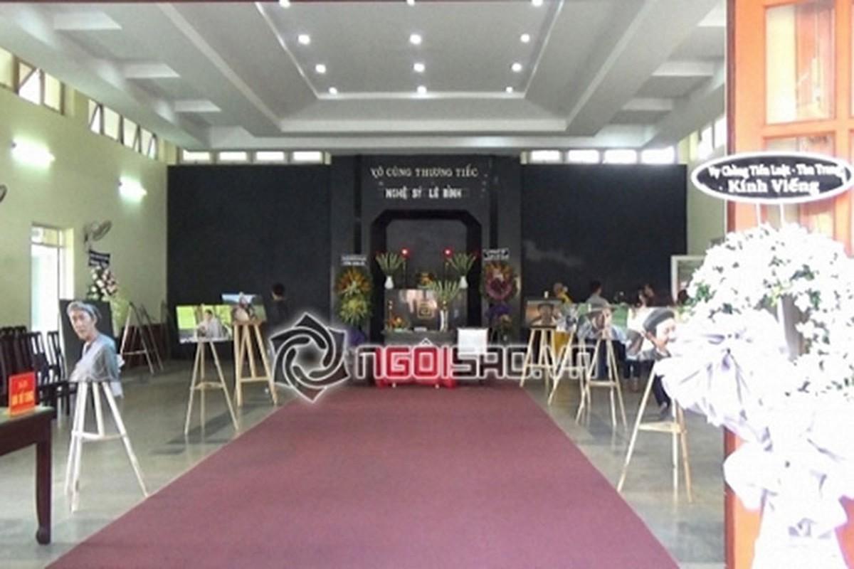 Thuy Hanh, My Uyen khoc sung mat vieng nghe si Le Binh-Hinh-12