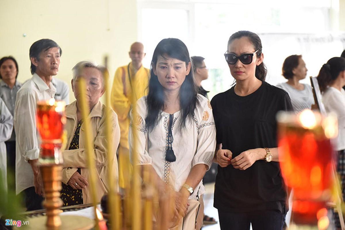 Thuy Hanh, My Uyen khoc sung mat vieng nghe si Le Binh-Hinh-9