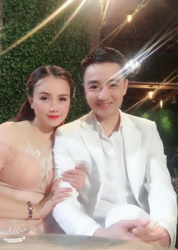 """Chan dung nguoi chong thu 4 cua """"co Xuyen"""" phim """"Ve nha di con""""-Hinh-11"""