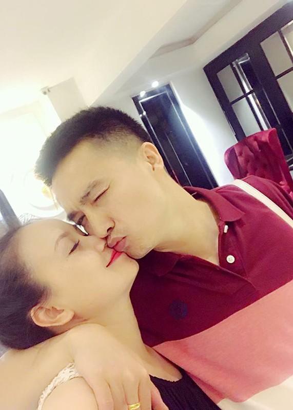 """Chan dung nguoi chong thu 4 cua """"co Xuyen"""" phim """"Ve nha di con""""-Hinh-6"""