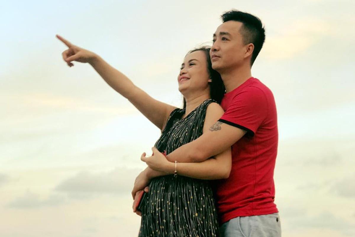 """Chan dung nguoi chong thu 4 cua """"co Xuyen"""" phim """"Ve nha di con""""-Hinh-7"""