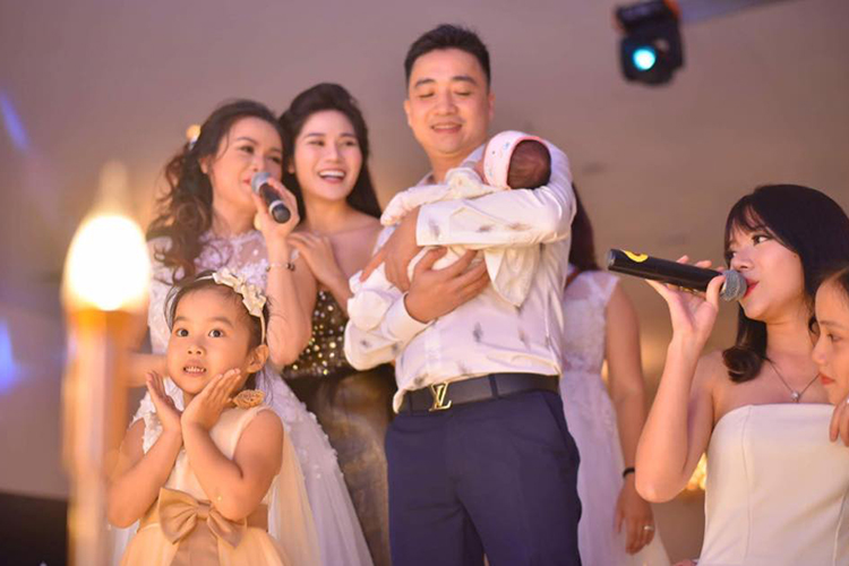 """Chan dung nguoi chong thu 4 cua """"co Xuyen"""" phim """"Ve nha di con""""-Hinh-9"""