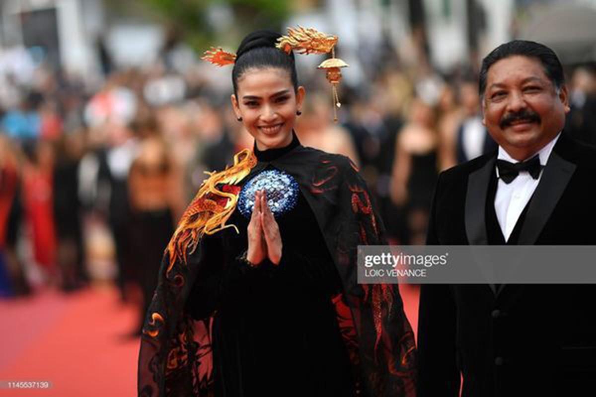 Du Cannes 2019, Truong Thi May mac kin dao, khac han Ngoc Trinh-Hinh-6
