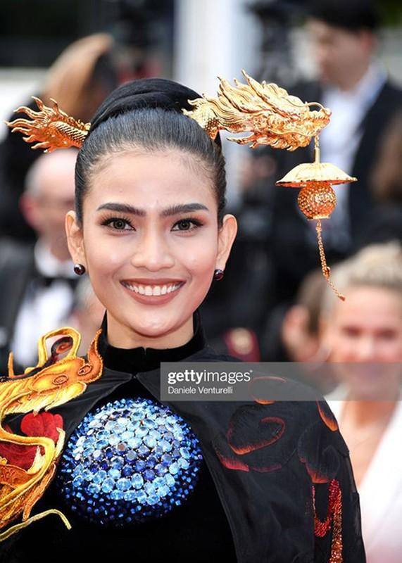 Du Cannes 2019, Truong Thi May mac kin dao, khac han Ngoc Trinh