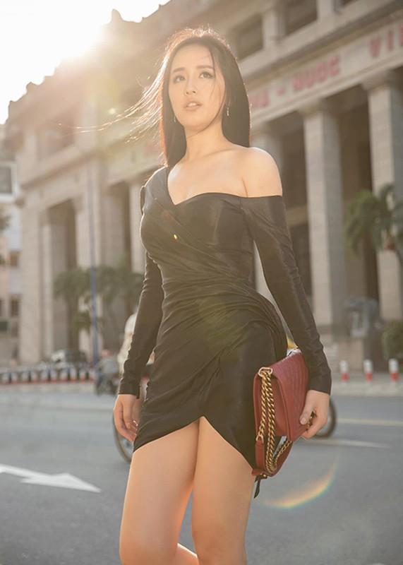 """Mai Phuong Thuy goi cam, khien fan nam """"mat an mat ngu""""-Hinh-3"""