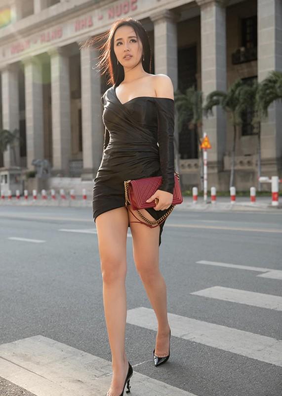 """Mai Phuong Thuy goi cam, khien fan nam """"mat an mat ngu""""-Hinh-4"""