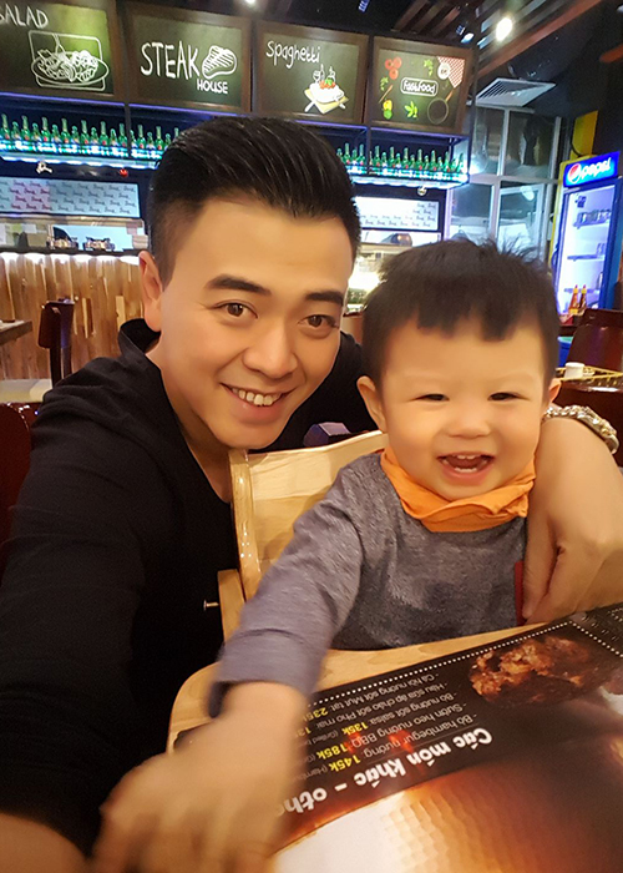 "Ngam con trai dang yeu cua Tuan Tu ""Ve nha di con""-Hinh-2"