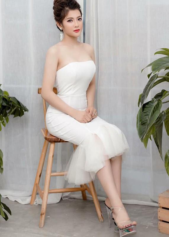 Hot girl Giong hat Viet vuong scandal doi goi dung nghe danh la ai?-Hinh-7