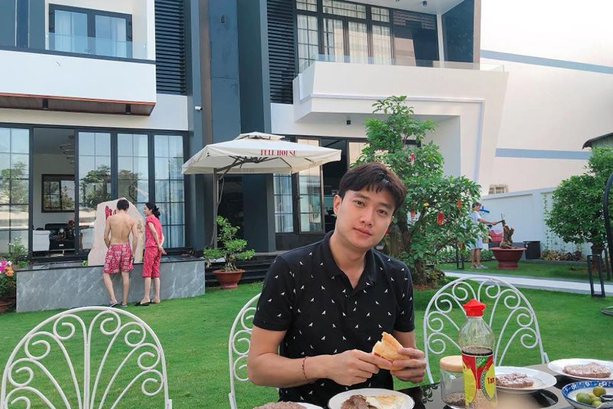 Quoc Truong dien trai, giau co, bao sao fan nu phat cuong-Hinh-4