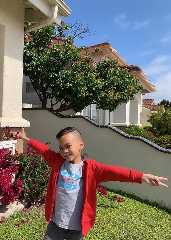 Hot Face sao Viet 24h: Hoang Anh tich cuc ban hang online o My-Hinh-12