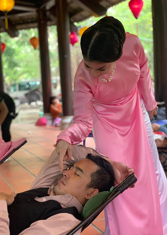Hot Face sao Viet 24h: Hoang Anh tich cuc ban hang online o My-Hinh-3