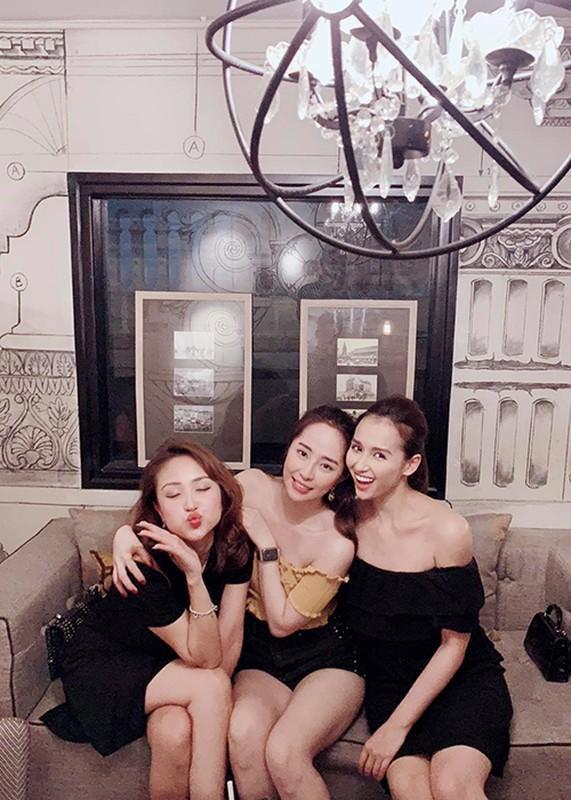 Hot Face sao Viet 24h: Hoang Anh tich cuc ban hang online o My-Hinh-6