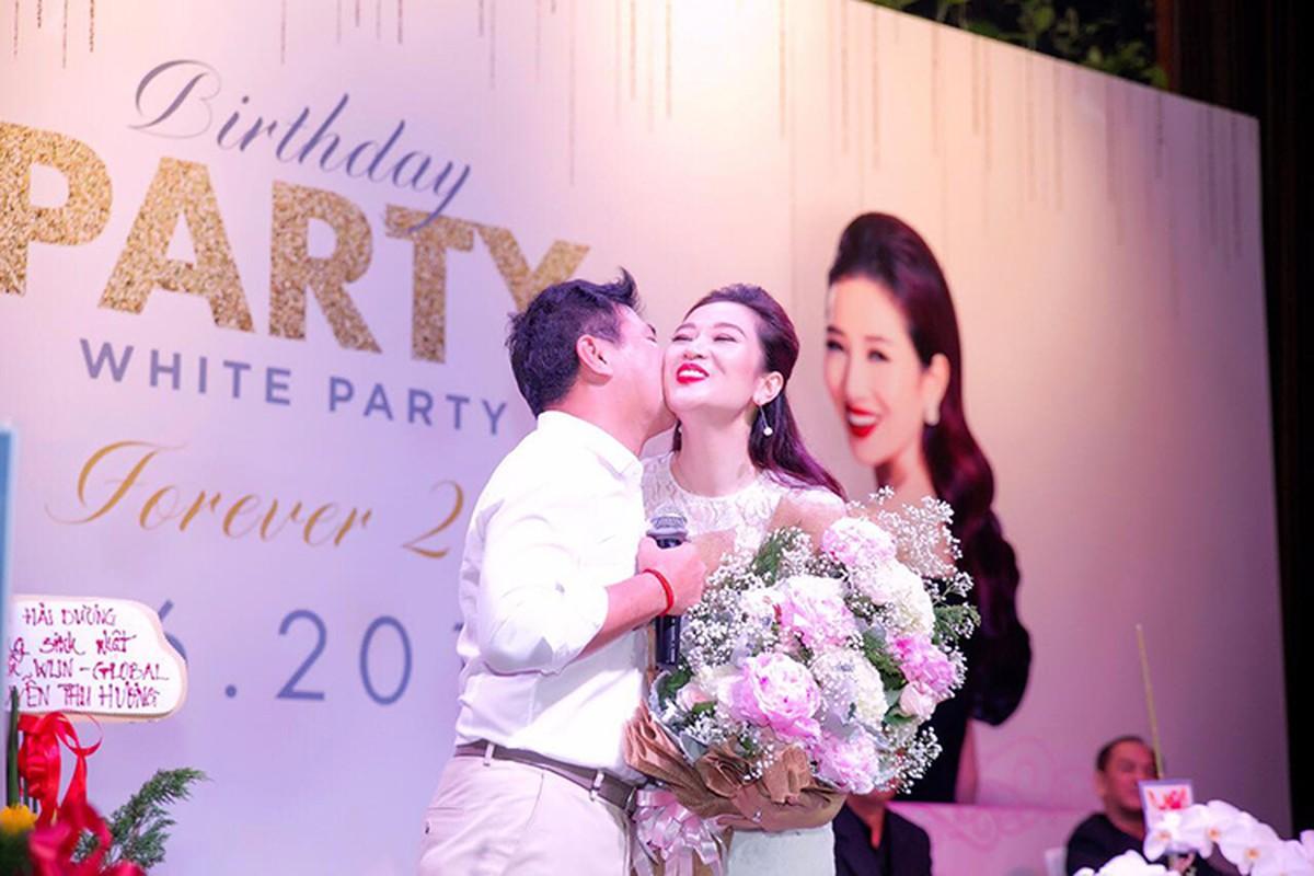 Hoa khoi Thu Huong duoc chong chieu het muc nhieu nguoi phat ghen-Hinh-10
