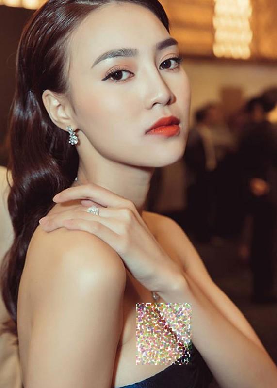 Ninh Duong Lan Ngoc mac ho bao khoe dang nuot-Hinh-2