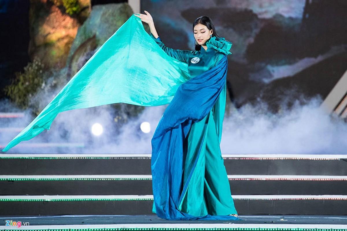 Nhan sac 10x gay tranh cai khi doat a hau 1 Miss World Viet Nam-Hinh-3