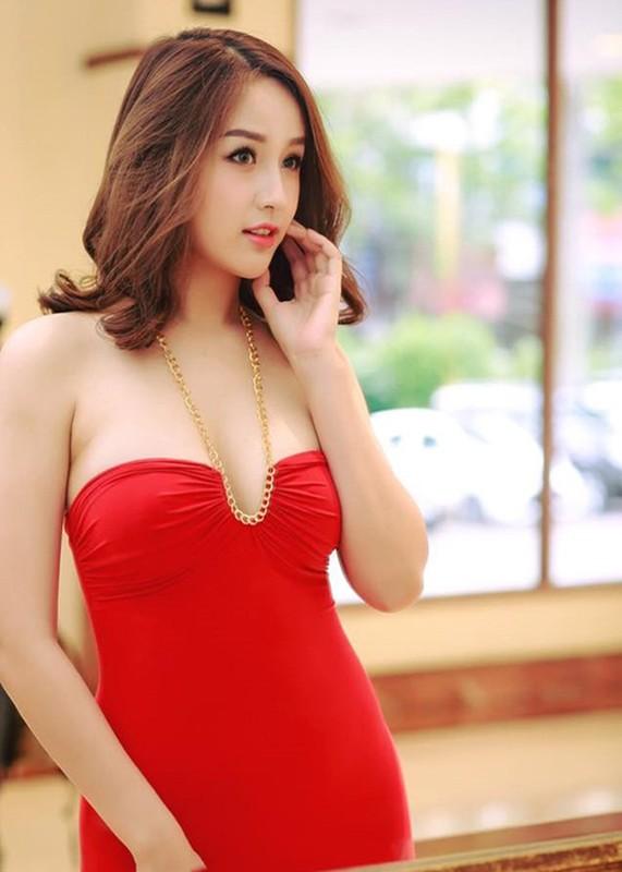 Sau on ao, Mai Phuong Thuy lai dien vay goi cam-Hinh-5