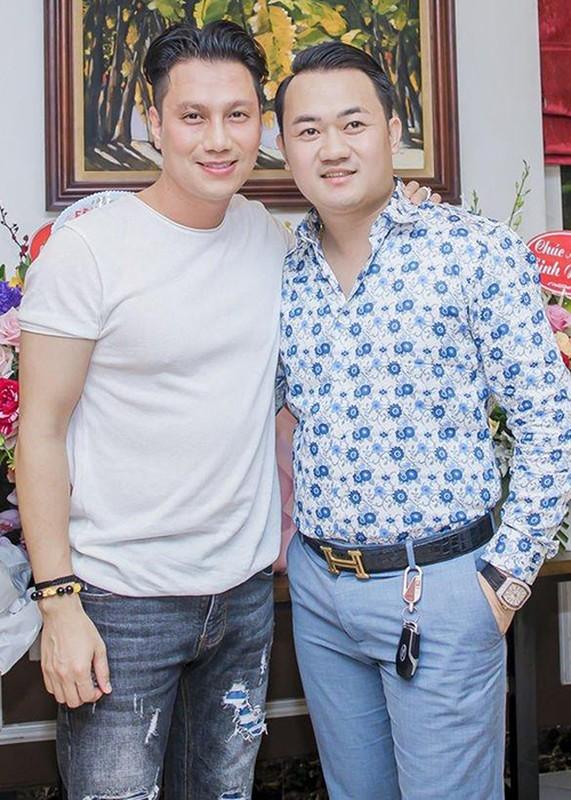 Viet Anh gay soc voi guong mat gia nua hau dao keo-Hinh-3