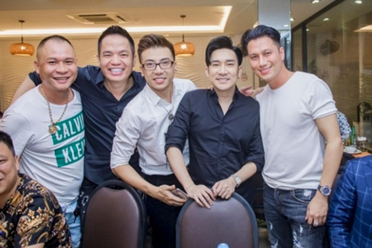 Viet Anh gay soc voi guong mat gia nua hau dao keo-Hinh-4