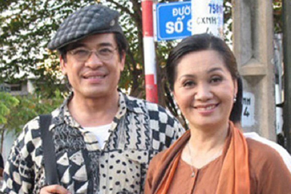 Ngao ngan voi loat on ao doi tu cua NS Xuan Huong - MC Thanh Bach-Hinh-2