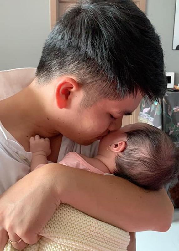 Chong tre Le Phuong cung con gai moi sinh nhu trung mong-Hinh-3