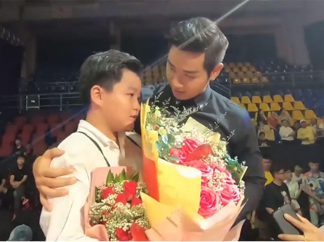 Dau chi doc nham ket qua The Voice Kids, Nguyen Khang dinh loat lum xum-Hinh-2