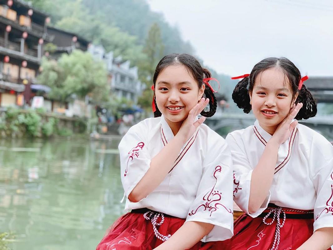 Ngam hai con gai xinh dep, phong phao cua nguoi mau Thuy Hanh-Hinh-10