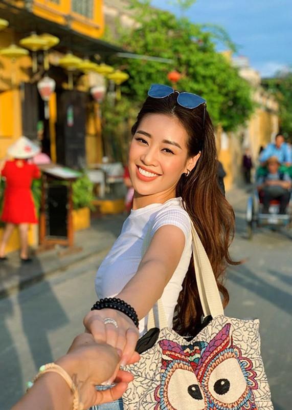Soi duong tinh cua Hoa hau Khanh Van va A hau Thuy Van