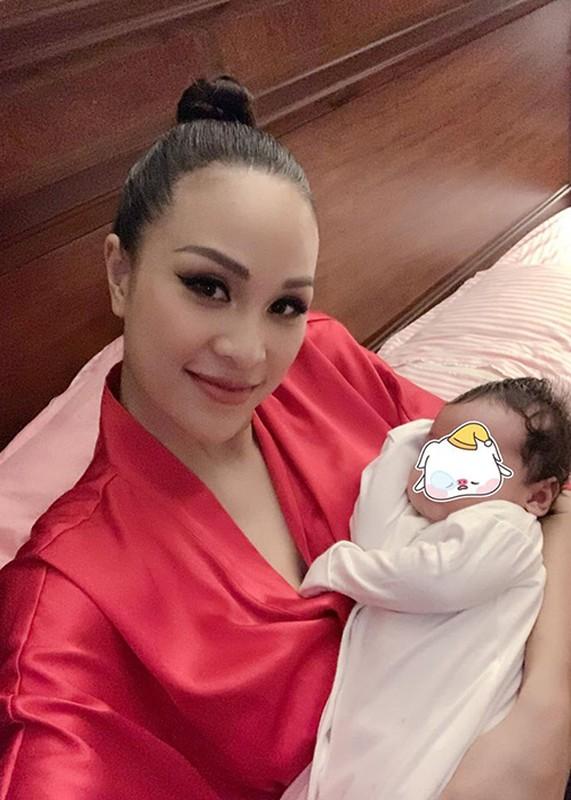 Sinh mo chua tron thang, MC Phuong Mai thon gon, goi cam den khong ngo-Hinh-11