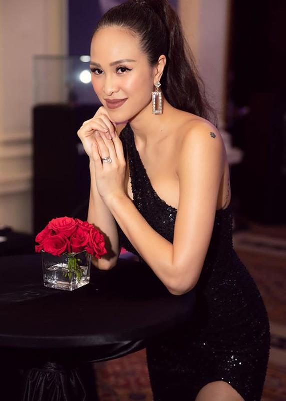 Sinh mo chua tron thang, MC Phuong Mai thon gon, goi cam den khong ngo-Hinh-5