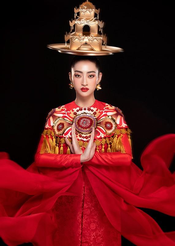 Luong Thuy Linh bam dap khi luyen mua mam mang den Miss World-Hinh-5