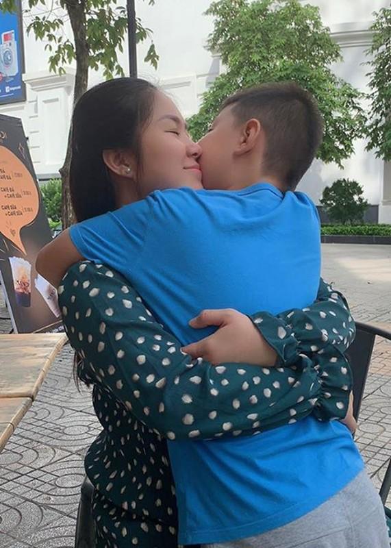 Con trai lon phong phao cua Quach Ngoc Ngoan - Le Phuong-Hinh-4