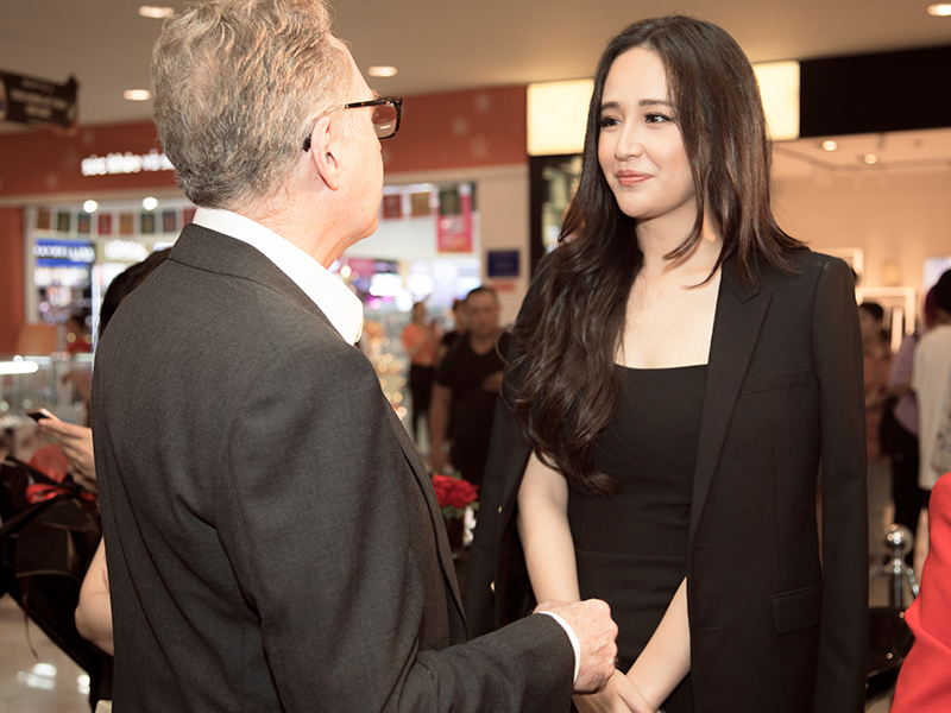 "Mai Phuong Thuy do sac ""gai hai con"" Tang Thanh Ha tai su kien-Hinh-5"