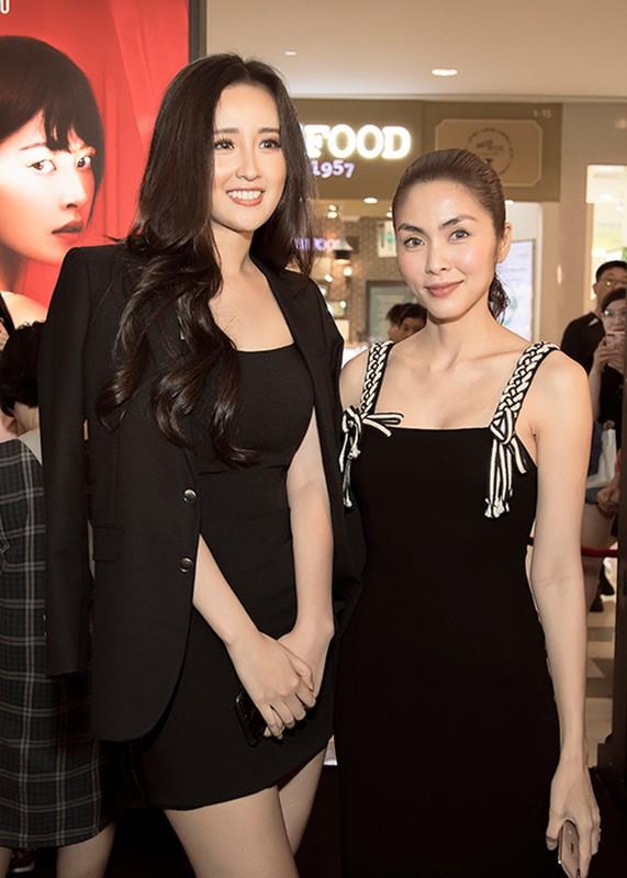 "Mai Phuong Thuy do sac ""gai hai con"" Tang Thanh Ha tai su kien"