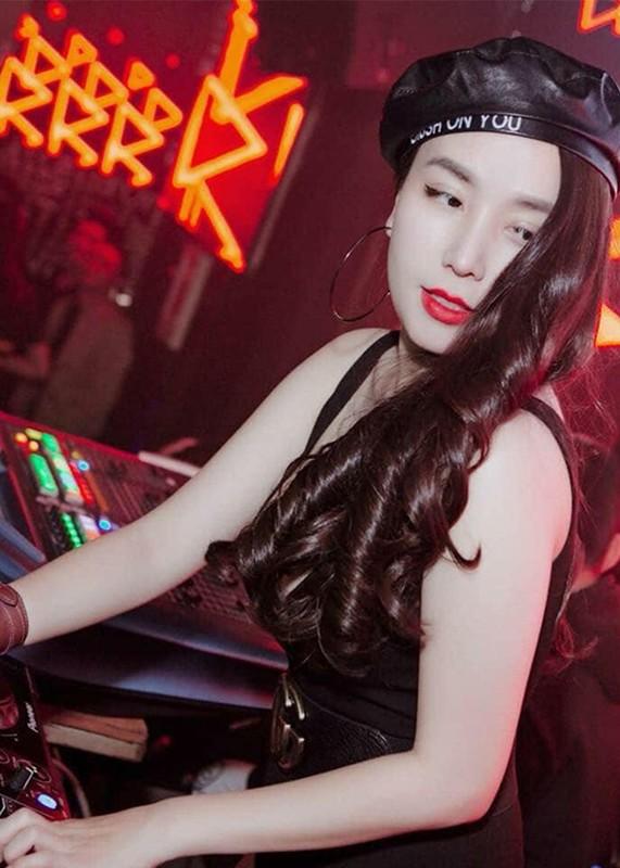 Voc dang goi cam cua nu DJ ket hon voi Khac Viet-Hinh-2