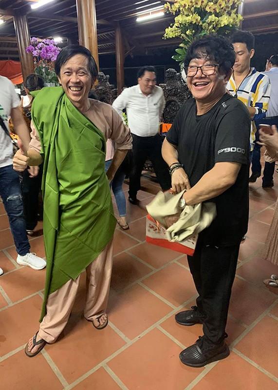 Hoai Linh don sinh nhat gian di ben con trai, dong nghiep-Hinh-10
